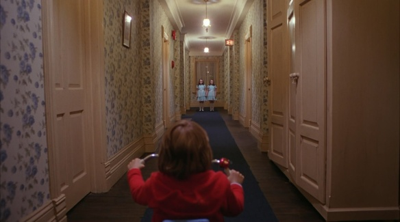 The.Shining.US.Cut.1980.BluRay..1080p.DTS-HDMA.5.1.x264.dxva-FraMeSToR.mkv_snapshot_00.49.42_[2012.02.11_00.45.15]